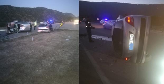 2 otomobil kavşakta çarpıştı: 5 yaralı