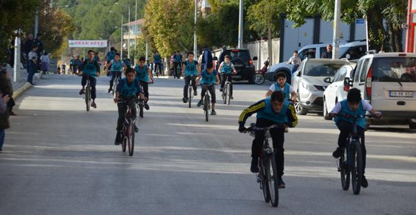 Panayırda bisiklet yarışları yapıldı
