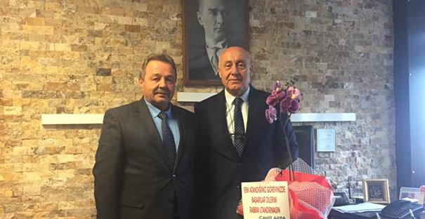 Cahit Arpa'dan Ahmet Genç'e ziyaret