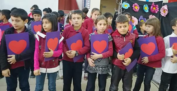Yunus Emre İlkokulu'nda 'Öğretmenler Günü' Programı