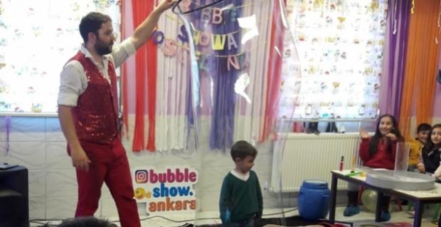 Minik öğrencilere tiyatro gösterisi