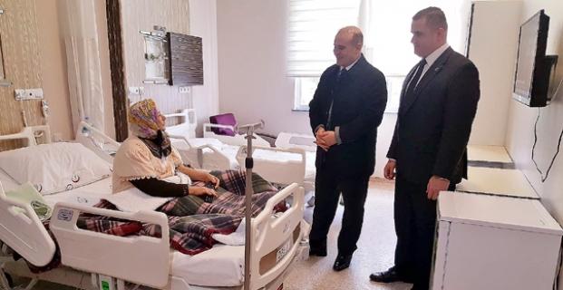 Kaymakam Taş'tan hastalara moral ziyareti