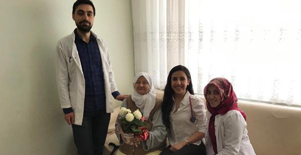 Hastaların Anneler Gününü kutladılar