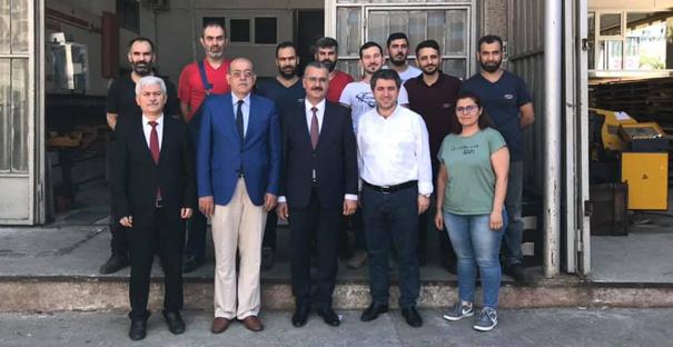 İstanbul'daki Kargılıları iş yerinde ziyaret etti