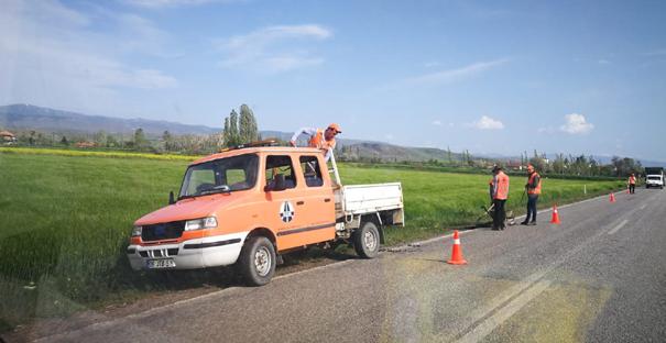 Yol düzenleme ve asfalt çalışmaları başladı