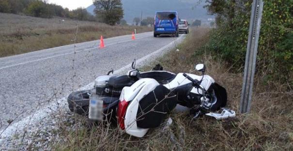 Motosiklet yoldan çıktı