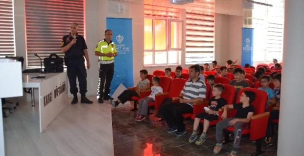 Polis ve Jandarma'dan öğrencilere trafik eğitimi