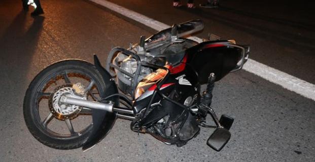 Motosiklet sürücüsü kaza yaptı