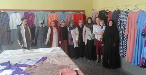 Halk Eğitim giyim sergisi açtı