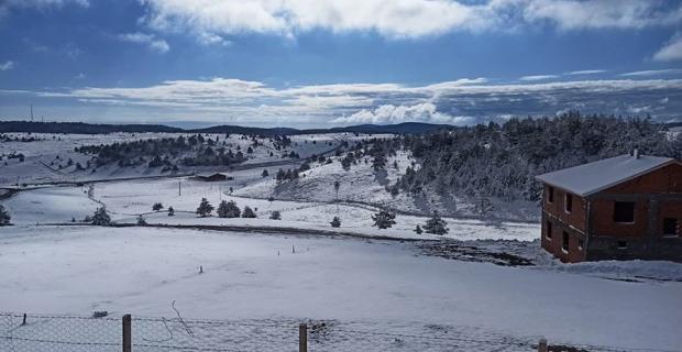 Kargı'da yazı beklerken kar geldi
