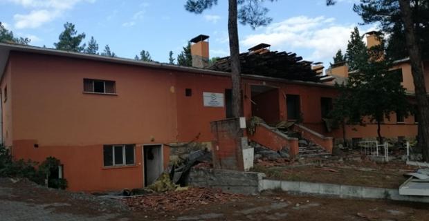 Eski hastane binası yıkılıyor