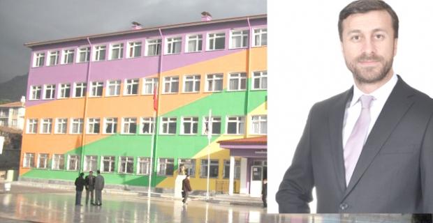 Okullar açılırken başlatılan tadilatlara tepki gösterdi