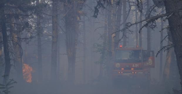 SON DAKİKA! Yangına müdahale eden arazöz yandı!