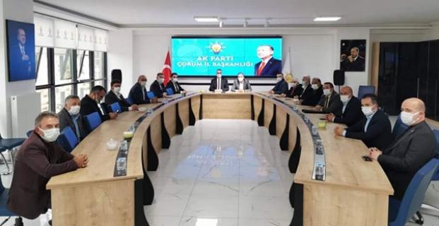Özdemir, İlçe Başkanları toplantısına katıldı