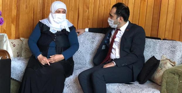 Kaymakam Uyar, şehit ailesini ziyaret etti