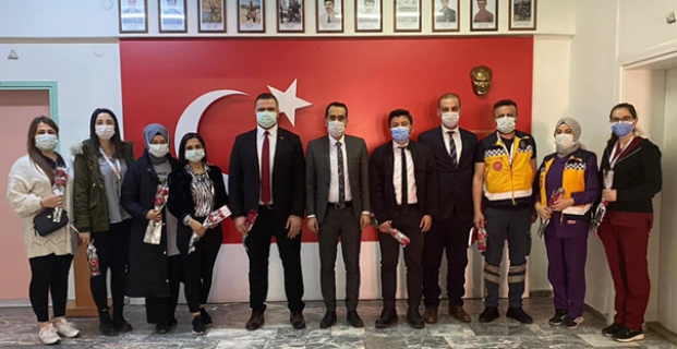 Kaymakam Uyar, 14 Mart Tıp Bayramı'nı kutladı