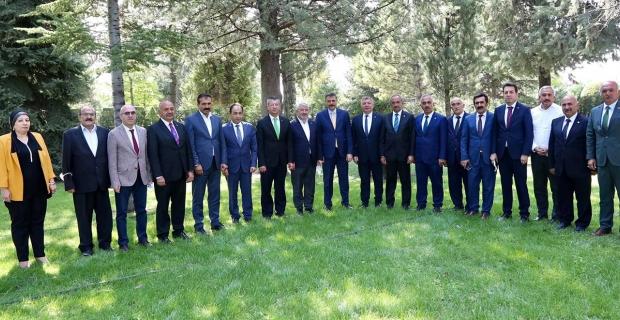 Vali Çiftçi, başkanlarla bir araya geldi