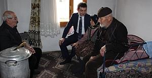 Çifci, Karakise'de yaşlıları ziyaret...