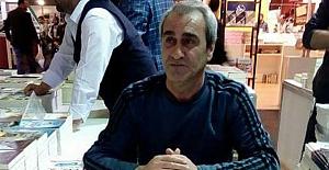 Yazar Burhan Gültekin, okurlarıyla buluştu