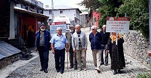 Bozarmut Köyü halkı sağlık için yürüdü