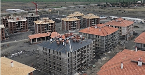 bTOKİ konutlarının inşaatı devam.../b