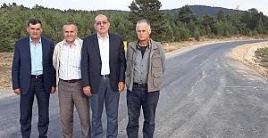 Çobanlar Gurup yoluna sıcak asfalt