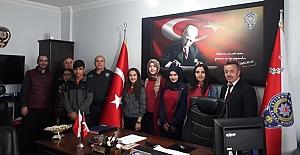 İmam Hatip Öğrencileri Polis Haftasını...