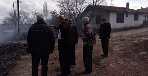 bBaşkan Özdemir, Çal Köyünde.../b