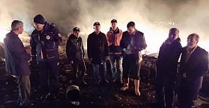 bVali Çiftçi, yangın yerini inceledi/b