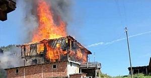 Hacıveli Köyü'nde 7 ev kül oldu