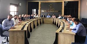 İlçe başkanları ve belediye başkanları istişare yaptı