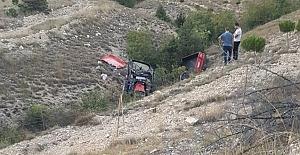 Traktör devrildi: 2 kişi hayatını kaybetti