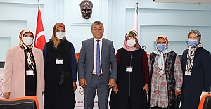 Girişimci kadınlar İzmir'de bir araya geldi