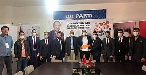 Ak Parti Gençlik Kolları Emre Üstünel ile devam