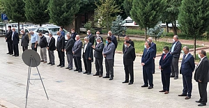 Kargı'da Muhtarlar Günü için Anıt'a çelenk
