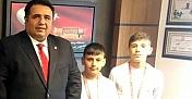 Milletvekili Kaya, Kargılı Güreşçileri Mecliste ağırladı