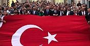 Erdoğan ile Mehmetçiğe selam durdular